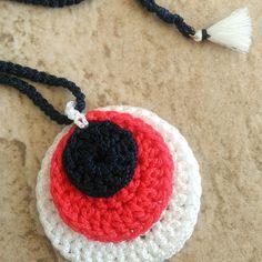 Πλεκτό κολιέ σε κόκκινο χρώμα. | Κολιέ - Jamjar.gr  #handmade #crochetjewelry #handmadecrochet #handmadejewelry Handmade Necklaces, Crochet Necklace, Jewelry, Jewlery, Jewerly, Schmuck, Jewels, Jewelery, Fine Jewelry