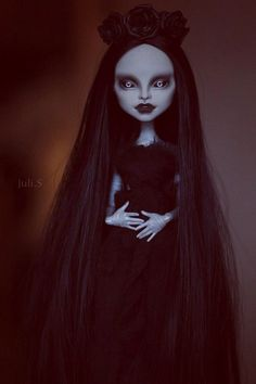 Repaint the Interior of Your Home Custom Monster High Dolls, Monster High Repaint, Custom Dolls, Monster High Ghoulia, Homemade Face Paints, Scary Dolls, Barbie, Gothic Dolls, Doll Painting