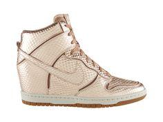 Γυναικείο παπούτσι Nike Dunk Sky Hi Cut Out Premium