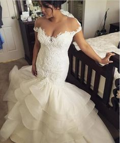 2016 Romantic Mermaid Wedding Dress with Lace Appliques