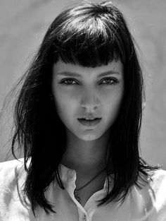 Breathtaking Convex Fringe Haircut to Try on 2018 http://www.fashiotopia.com/2017/12/31/11011/ Convex Fringe Haircut to Try on 2018. If you're looking for a very classic but edgy enough to have them in this contemporary world, you can never go wrong for trying a convex fringe haircut
