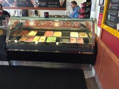 Know the difference in a display freezer for ice cream or gelato, it's important Gelato Ice Cream, Ice Cream Parlor, Parlour, Shop Ideas, Freezer, Skate, Bakery, Auction, Shops