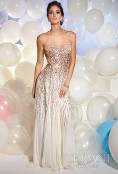 Ideia de vestido de noiva para renovação.