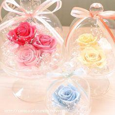 100均素材で簡単DIY!ガラスドームの作り方まとめ | marry[マリー] Ceramic Art, Diy And Crafts, Ceramics, Table Decorations, Birthday, Floral, Flowers, Projects, Handmade