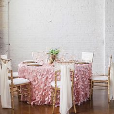 Romance in an industrial setting is the new trend. And  @tandemevents made it look fabulous at #thestudiosatoverlandcrossing to share the rest later! Big thanks to all the amazing vendors! @bellalufloral @me_alli_b @kimjbeauty @felicebridal @veiltrends @ellavineco @ted_clothiers @canvasandlight @allwellrentsdenver @splendor4guests @anthropologie @westelm @linenhero # @saralynnphoto