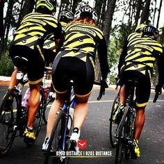 Distance. Respect. Freedom. What else? #Distance outfit for your spring-summer trainnings on the road //Distancia. Respeto. Libertad. Ese es el lema cuando sales a rodar y a disfrutar con tu bici. Conjunto #Distance para cualquier salida de primavera-verano en Carretera. #triathlon #swim #bike #run #cycling #sport #fashion #apparel #spring #taymory #taymorylife