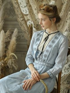 Victorian Vintage Blue Cotton Ramie Dress – A Lark And A Lady Look Vintage, Vintage Girls, Vintage Dresses, Vintage Outfits, Style Grunge, Soft Grunge, Mori Girl, Grunge Outfits, Classy Outfits