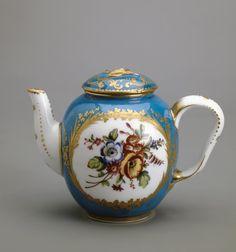 Date: 1767 School: Sevres Material: soft-paste porcelain Dimensions: h. 8,9 cm Inventory Number: ЗФ-20559