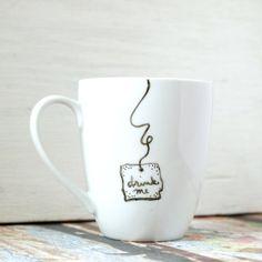 tee tasse drink me tasse mit herz bemalte tasse tees. Black Bedroom Furniture Sets. Home Design Ideas