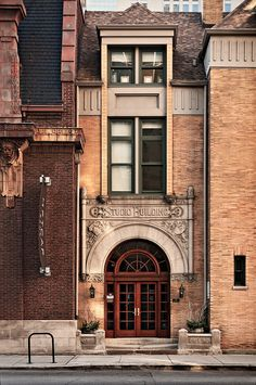 entrance, Tree Studio Building (1894), 4 East Ohio Street, Chicago, Illinois by lumierefl, via Flickr Visit Chicago, Chicago Today, Chicago Illinois, Chicago Bears, Chicago House, Beautiful Buildings, Beautiful Homes, My Kind Of Town, Building Design