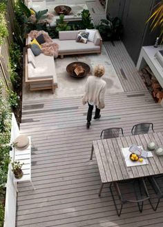 10 Grassless Yards That Will Make You Re Think Having A Lawn Small Backyard Landscaping Backyard Garden Design Backyard Landscaping