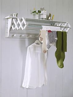 An extending clothes dryer is a clever space-saving idea for your utility room. Drying Rack Laundry, Laundry Room Organization, Laundry Room Design, Organization Ideas, Storage Ideas, Laundry Hanging Rack, Hanging Dryer, Hanging Chair, Clothes Dryer
