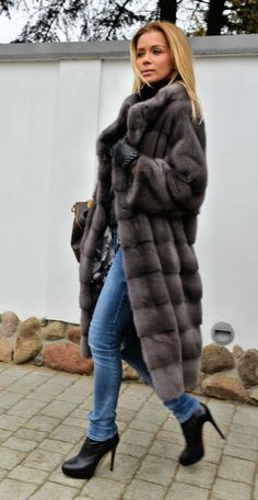 Nadire Atas on Fashionista At Large MINK FURS - milano graphite royal saga mink fur coat - furs outlet Fur Fashion, Winter Fashion, Street Fashion, Fur Clothing, Fabulous Furs, Mink Fur, Mink Coats, Fur Jacket, Types Of Sleeves