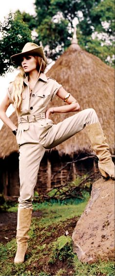 Safari style. This safari suit and pose exudes so much power and confidence. The only thing I would change is the long boots, I'm more of an ankle booties kind of girl.