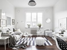 gravity-gravity: Living room in neutral coloured home