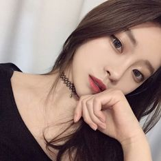 Image about girl in luna ulzzang 🌙💧🍒 by 제니 김 on We Heart It Cute Korean Girl, Asian Girl, Korean Beauty, Asian Beauty, Photo Oeil, Moda Ulzzang, Chica Cool, Korean Ulzzang, Ulzzang Girl Selca