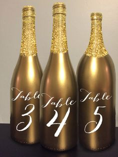 Tabla número vino botella oro brillo boda Centro por GetHappyDesign