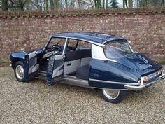 Citroen Ds, Classic Trucks, Classic Cars, Automobile, Classic Motors, Amazing Cars, Old Cars, Peugeot, Vintage Cars
