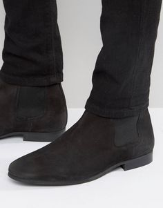 Sometimes all you need is a simple pair of black Chelseas.