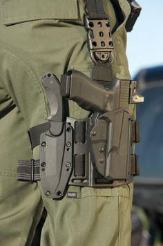 Tactical knife and pistol thigh holster/ Glock