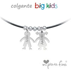 """Colgante """"BIG KIDS"""" niños en plata de ley grabado personalizado con el nombre. Cordón en caucho negro y cierre de plata.  #joyasquehablandeti #miplatafina"""
