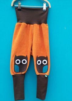 Mitwachshose mit EulenKnieflicken  // Pants with owl kneepads www.heimatkinder.com