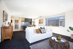 People love home entertaining and are drawn to the idea of creating one expansive space that the whole family can enjoy. #openplanliving #homeentertaining #kaitemakoplan #generationhomesnz Bedroom House Plans, Love Home, Open Plan Living, Family Rooms, Entertaining, How To Plan, Dining, Space, People