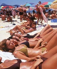 "pop culture nostalgia on Instagram: ""Women sunbathing on Ipanema Beach, Rio de Janeiro, 1990."" Beautiful African Women, Copacabana Beach, In Natura, European Summer, Teen Life, Summer Aesthetic, 90s Aesthetic, Summer Pictures, Rio De Janeiro"