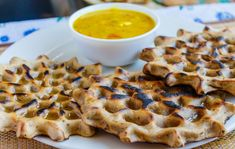 Khoba Roti- a Rajasthani Bread preparation - Kali Mirch - by Smita Indian Bread Recipes, Rajasthani Food, Ayurvedic Diet, Roti Recipe, Desi Food, Chutney, Soul Food, Vegan Vegetarian, Eat
