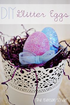 DIY Glitter Eggs at www.thebensonstreet.com #easter #eggs #glitter #eastereggs