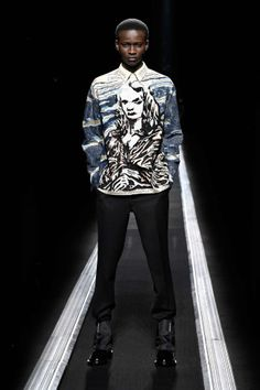 The World's Fashion Business News Christian Dior Homme, Business News, Business Fashion, Louis Vuitton, Superhero, Men, Shoes, Zapatos, Louis Vuitton Wallet