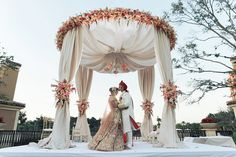 Indian Wedding Planner Florida - The Effective Pictures We Offer You About wedding ceremony decorations blue A quality picture can tell you many things. You can find Wedding Ceremony Ideas, Wedding Hall Decorations, Wedding Mandap, Ceremony Seating, Indian Wedding Ceremony, Wedding Gowns, Indian Wedding Theme, Outdoor Indian Wedding, Indian Wedding Planner