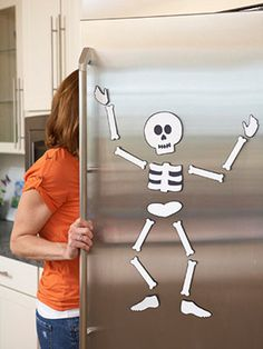 Creepy and Cute Skeleton Decoration for Your Fridge | Shelterness