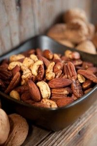 Paleo Nuts  1 1/2 tsp. cumin  1/2 tsp. chili powder  1 1/2 tsp. cinnamon  1/4 tsp. cayenne pepper  4 cups (400g) assorted nuts- pecans, walnuts, cashews & almonds  1 tsp. vanilla extract  1 tbs. butter
