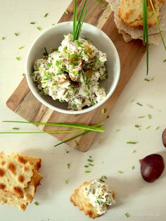 Fresh & creamy chestnut dip with roasted chestnuts, cream cheese, honey and chives – I serve it for the girls and they love it. Perfectly served with crackers.