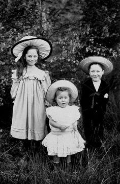 The Miller Sisters, Matilda, Gertrude, Nellie