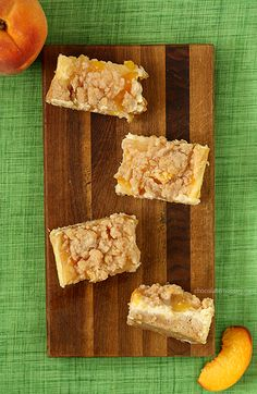 Peach Cheesecake Crumb Bars | www.chocolatemoosey.com
