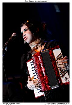 (A Kind of) Music Dream (s)Team: Accordion: Dominique Lenore Persi from Stolen Babies Piano: Amanda Palmer from Dresden Dolls 1 Cello : Melora Kreager from Rasputina 2 Cello: Zoe Këating former...
