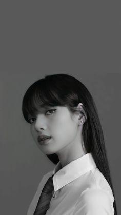 Kpop Girl Groups, Korean Girl Groups, Kpop Girls, Korean Girl Photo, Lisa Blackpink Wallpaper, Black Pink Kpop, Blackpink Photos, Blackpink Fashion, Jennie Blackpink
