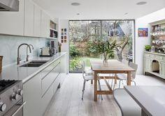 Stockholm Vitt - Interior Design: Victorian Terrace Re-vamp Small Kitchen Diner, Kitchen Diner Extension, Open Plan Kitchen, Kitchen Living, New Kitchen, Kitchen Items, Victorian Terrace Interior, Victorian Kitchen, Victorian Homes