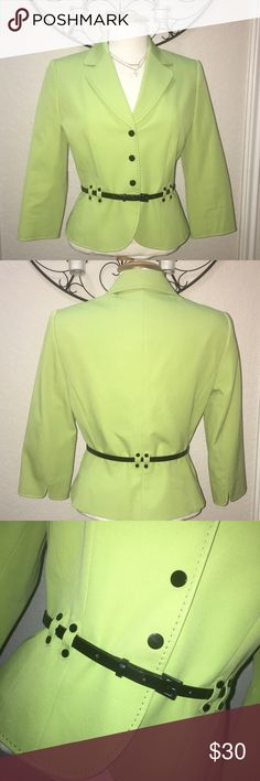 ✨TAHARI LIME GREEN BLAZER✨ In GOOD CONDITION NO STAINS NO HOLES! TAHARI Arthur Levine Womens Jacket Career Blazer Lime Green size 6 RETAIL $138 Lime green with black accents and belt  It is a beautiful bright lime green  Belt included  Three snap front closure - the buttons are for looks - there are 3 snaps on the inside  3/4 Sleeve with cut out design on end of cuff area Tahari Jackets & Coats Blazers