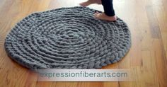 Awesome No-Sew Project – Beautiful Crocheted Roving Rug!