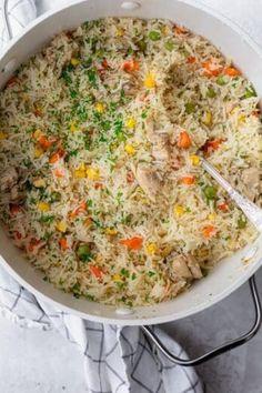 Chicken Caesar Pasta Salad, Pesto Chicken, Pasta Salad Recipes, Chicken Rice, Rice Recipes, Orzo Salad, Pesto Pasta, Vegan Recipes, Creamy Avocado Sauce
