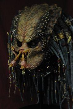 Soon to be Predator Elder from the movie Predator 2 Wolf Predator, Predator Helmet, Predator Movie, Predator Alien, Alien Covenant Xenomorph, Fantasy Portraits, Aliens Movie, Art Station, Comic Movies