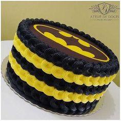 Batman - Batman Party - Ideas of Batman Party - Batman Batman Birthday Cakes, Batman Cupcakes, Lego Batman Party, Superhero Cake, Superhero Birthday Party, Batman Batman, Robin Batman, Batman Stuff, Batman Logo