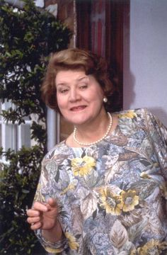 She always was on the lookout for the neighbor and I think she was getting ready to pounce on him unexpectedly here! British Tv Comedies, British Comedy, British Actors, English Comedy, Keeping Up Appearances, Comedy Nights, The Neighbor, Comedy Tv, Comedy Quotes