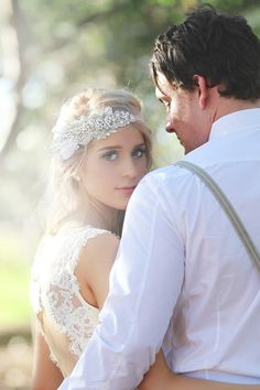 Alverstoke Barn Perth Wedding------love the headband-definite yes!