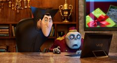 When your friend asks you to repeat your story because they were on their computer NOT paying attention. Disney Icons, Disney Pixar, Hotel Transylvania 1, Ariana Instagram, Count Dracula, Computer Animation, Comedy Films, Columbia Pictures, Animal Games