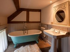 Bathroom Aga Kitchen, Holiday Cottages To Rent, Log Burning Stoves, Interior Styling, Interior Design, English Decor, Tudor House, Romantic Cottage, Relaxing Bath