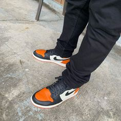 Orange Basketball Shoes Outfit,Jordan Sneakers,Fashion Air Jordan 1 Shoes Air Jordan Sneakers, Sneakers For Sale, Jordans Sneakers, Air Jordans, Michael Jordan, Jordan 1, Orange Basketball Shoes, Shattered Backboard, Starfish